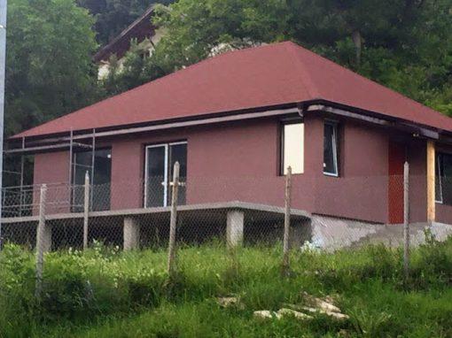 Къща с. Горно Камарци 62кв.м. + веранда